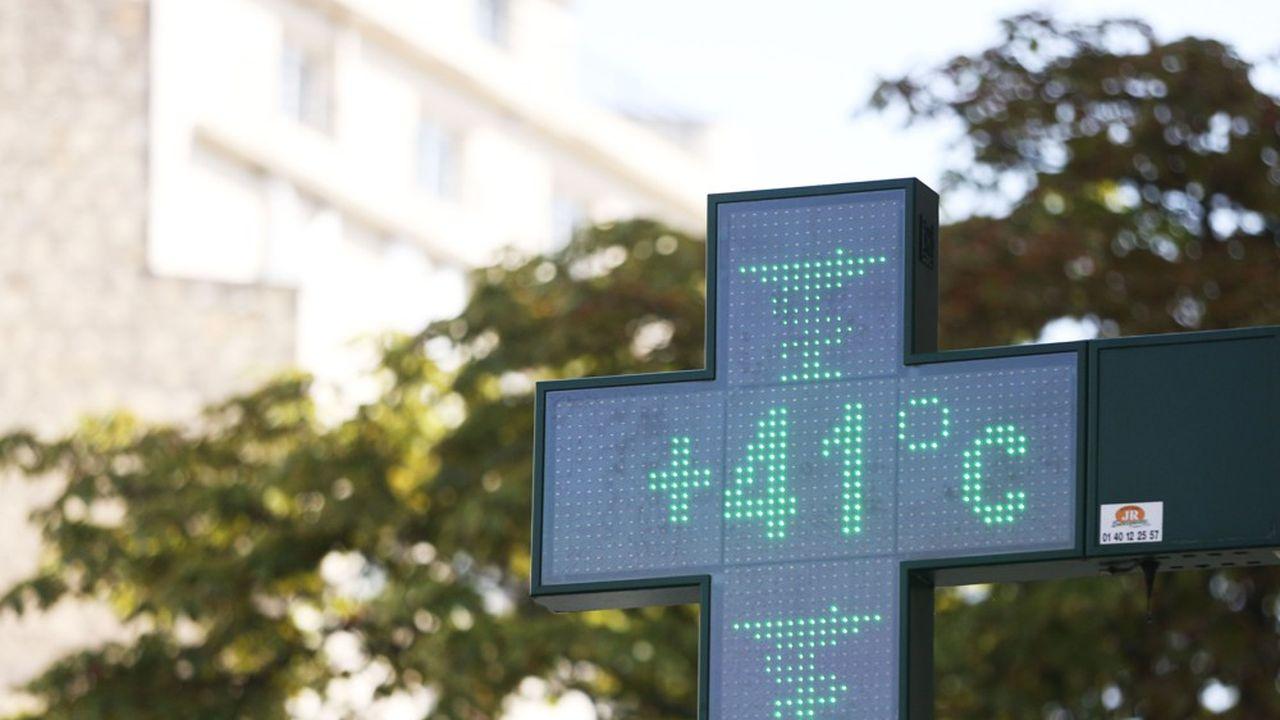 Un thermomètre indique 41 degrés à Paris, le 25juillet 2019.