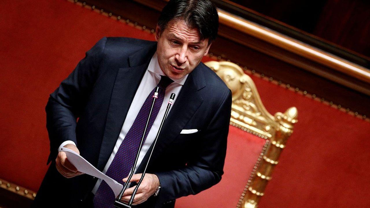 Le président du Conseil, Giuseppe Conte s'est d'abord montré réservé vis-à-vis des prêts du MES avant de considérer que son pays aurait intérêt à y recourir.