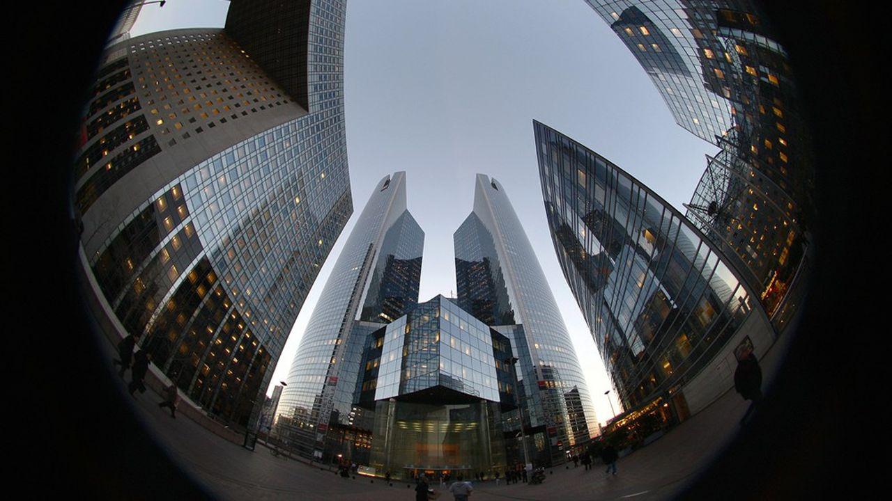 Ces remaniements révèlent le besoin pour certaines banques de tourner une page de leur histoire, dans un environnement bancaire en plein bouleversement.