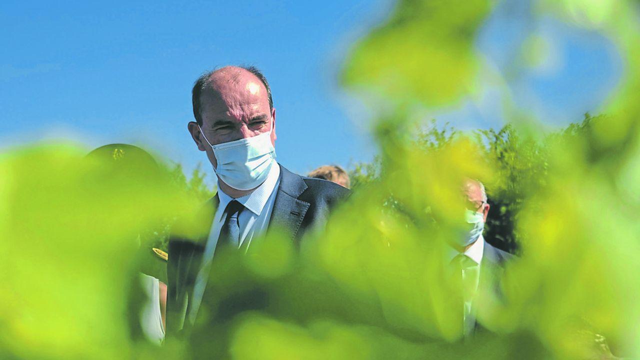 Mercredi, depuis le vignoble Sancerrois, le Premier ministre Jean Castex, accompagné du ministre de l'Agriculture et de l'Alimentation Julien Denormandie, a voulu se porter au chevet de cette «viticulture dynamique, viticulture exportatrice qui paye un lourd tribut à la situation».