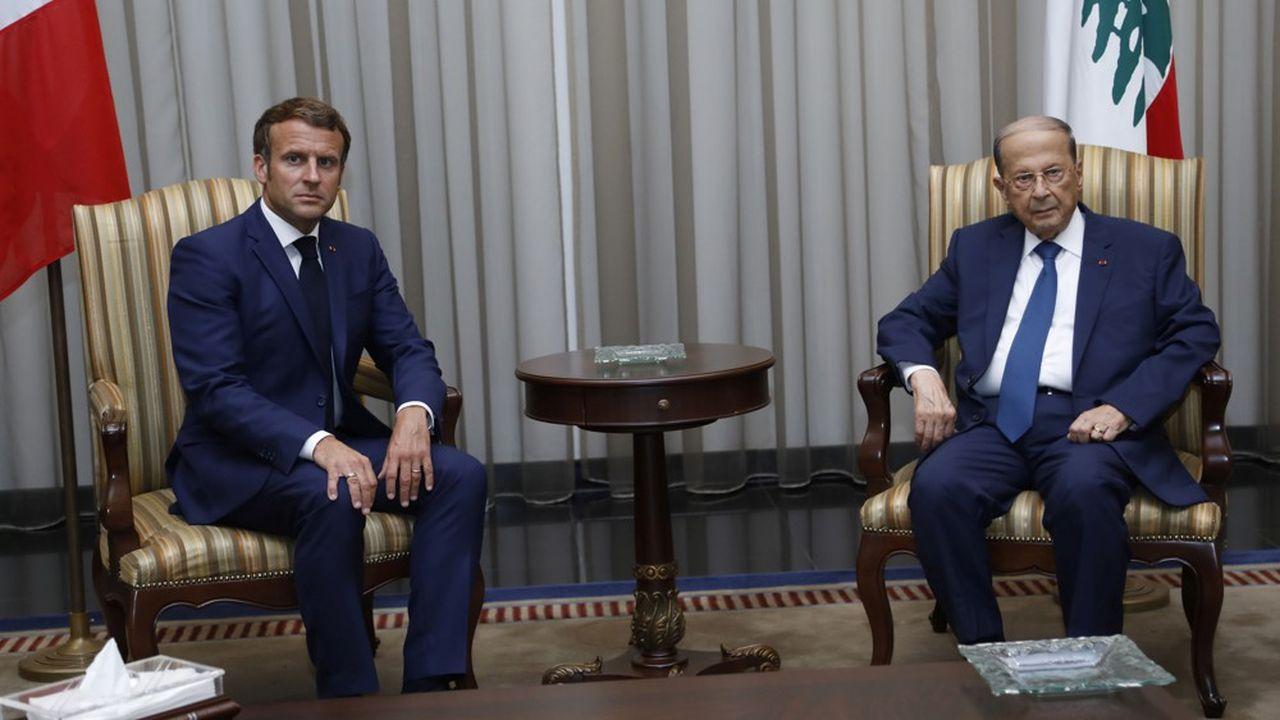 Le président Emmanuel Macron a été accueilli à son arrivée à Beyrouth par son homologue libanais, Michel Ayoun, fortement critiqué par les Libanais.