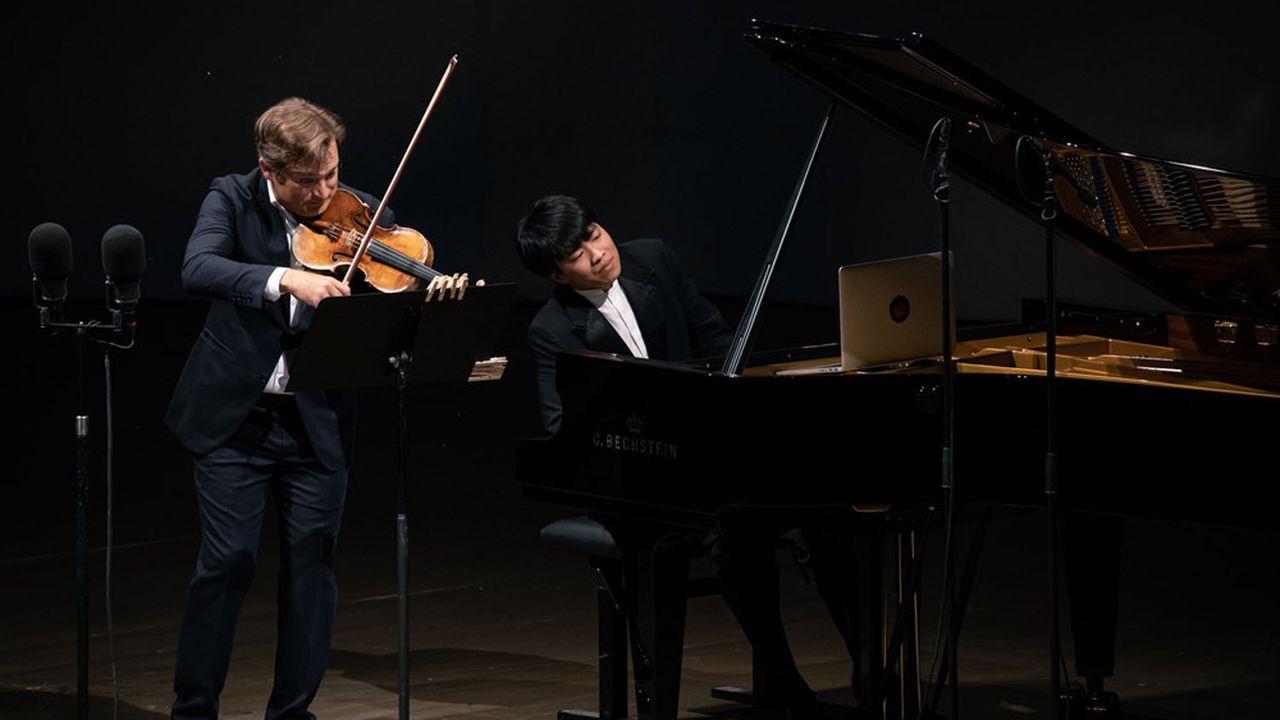 Renaud Capuçon etKit Armstrong font montre d'une telle complicité qu'ils semblent faire entendre un seul instrument.