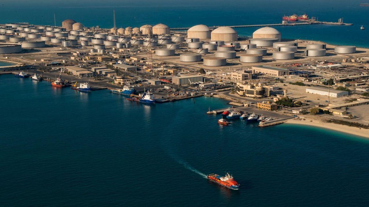 Terminal d'exportation à Dhahran, en Arabie saoudite. L'Opep et la Russie ont réduit leur production de 10millions de barils par jour entre mai et juillet.