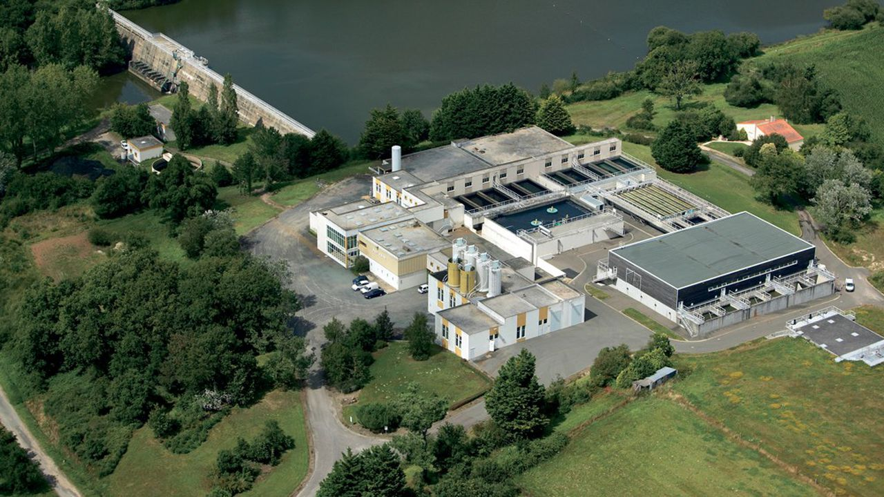 Plutôt que de finir en mer, les rejets de la station d'épuration du Petit-Plessis, près des Sables-d'Olonne, seront bientôt retraités et alimenteront, à vingt kilomètres de là, le barrage du Jaunay, où l'usine locale d'eau potable capte sa ressource.