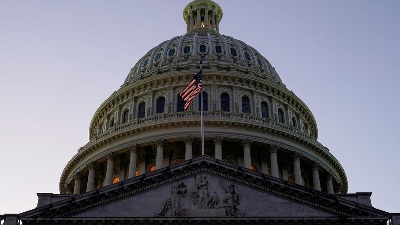 Les discussions entre les dirigeants démocrates du Congrès américain et les principaux conseillers de Donald Trump sur un nouveau plan de soutien à l'économie se sont soldées vendredi par un échec.