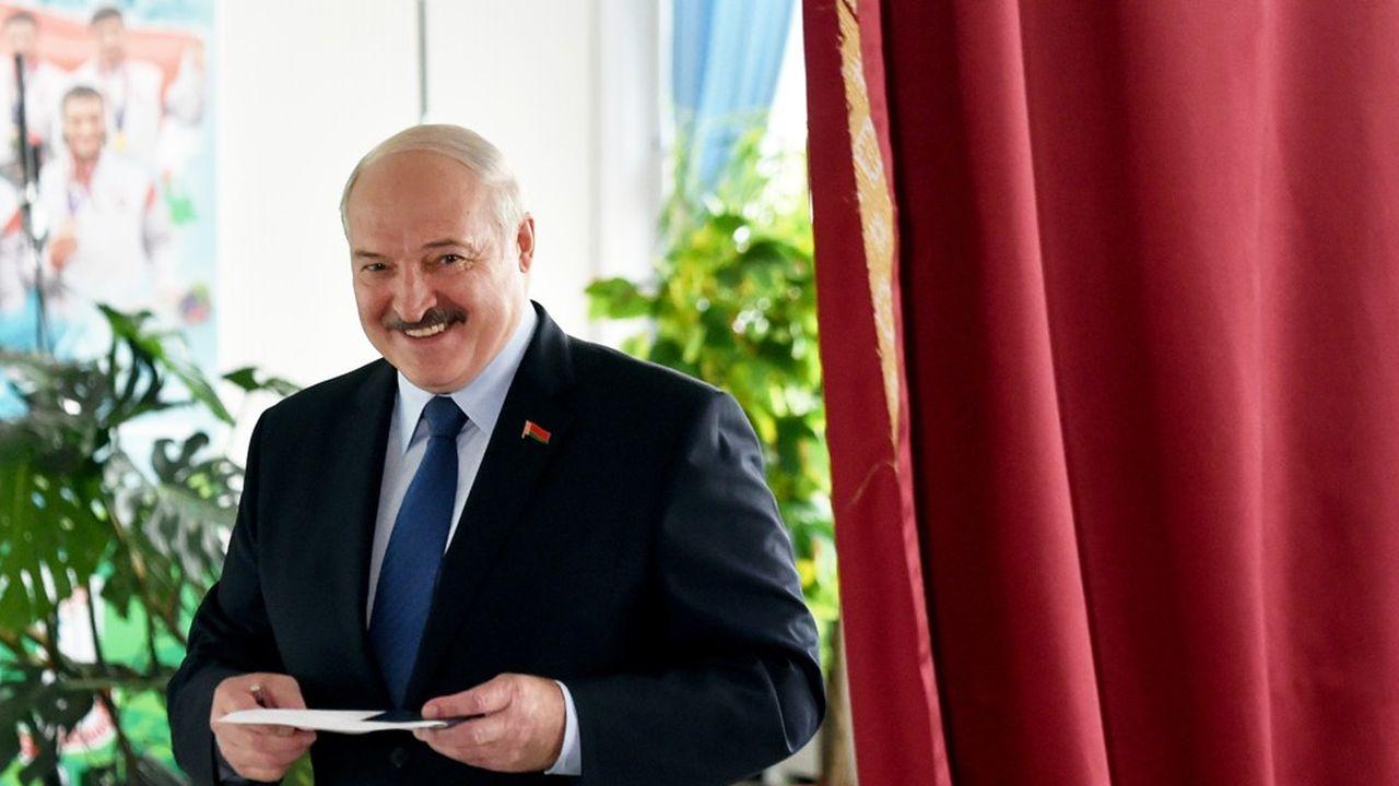 Alexandre Loukachenko a fait face à l'envol inattendu d'une novice en politique, Svetlana Tikhanovskaïa, qui a attiré des foules jamais vues au cours de ses meetings de campagne.