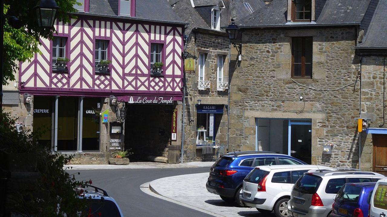 Combourg a progressivement réhabilité l'ensemble de son patrimoine architectural.
