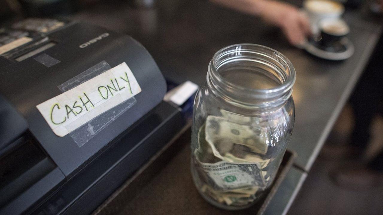 Les espèces étaient encore utilisées dans 47% des transactions inférieures à 10dollars l'an dernier, selon une étude de la Réserve fédérale de San Francisco.
