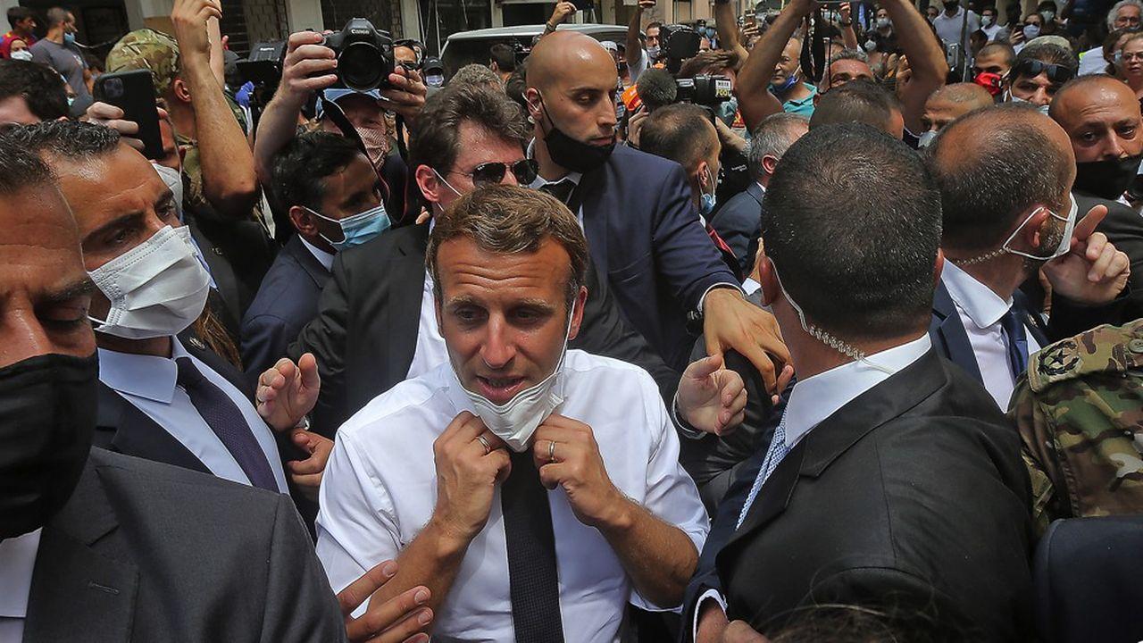 Emmanuel Macron en visite officielle au Liban, le 6août 2020, deux jours après les explosions mortelles au port de Beyrouth.