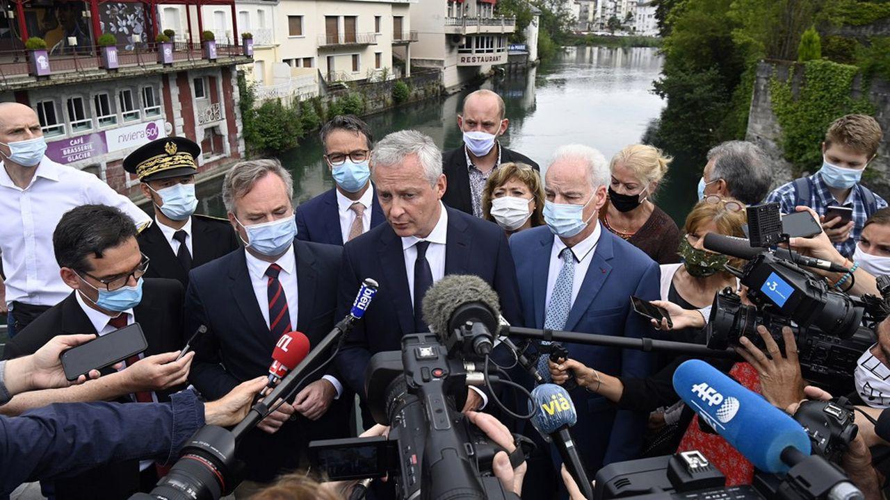 A Lourdes, deuxième ville hôtelière du pays derrière Paris, «les commerçants que nous avons rencontrés ont perdu 80, 85% de chiffre d'affaires», a souligné lundi le ministre des Finances Bruno Le Maire.