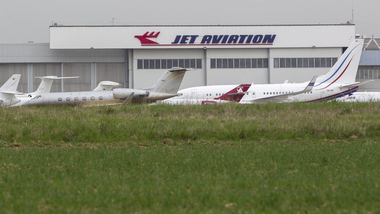 Les trois quarts des 6.300 personnes qui travaillent sur la plateforme aéroportuaire sont françaises.