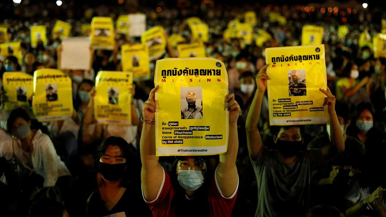 La mobilisation en Thaïlande intervient après plusieurs semaines de manifestations étudiantes quasi quotidiennes pour dénoncer l'administration de Prayut Chan-O-Cha, jugée trop proche des militaires.