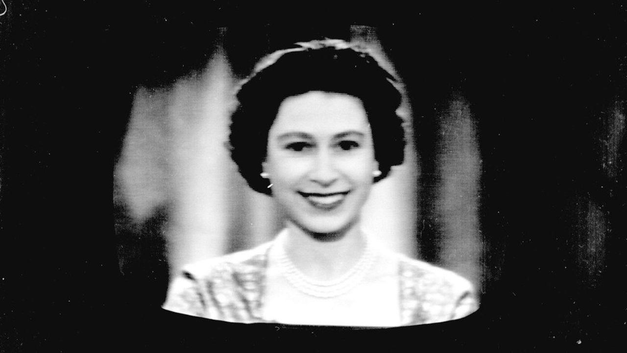 Le 25 Décembre 2957, la reine Elisabeth II célèbre son cinquantième discours télévisé.
