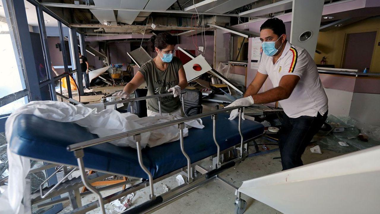 Après la double explosion du 4août, les hôpitaux, déjà saturés, ont été submergés par l'afflux de blessés.