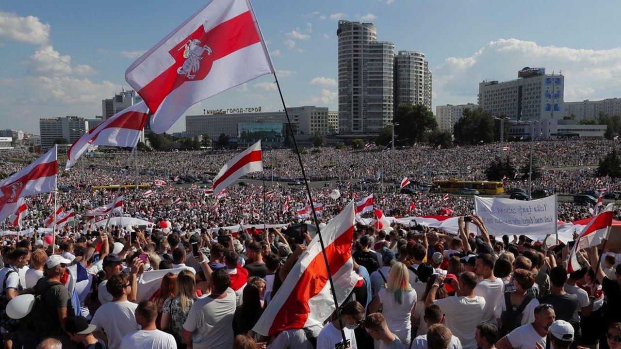 De nouvelles grandes manifestations ont eu lieu ce dimanche à Minsk, la capitale de la Biélorussie, contre le président Loukachenko.