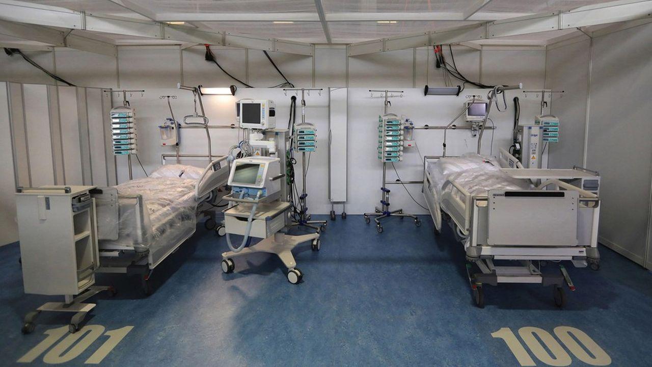 L'hôpital est encore vide. D'une superficie de 12.000 mètres carrés, il peut accueillir 800 malades.