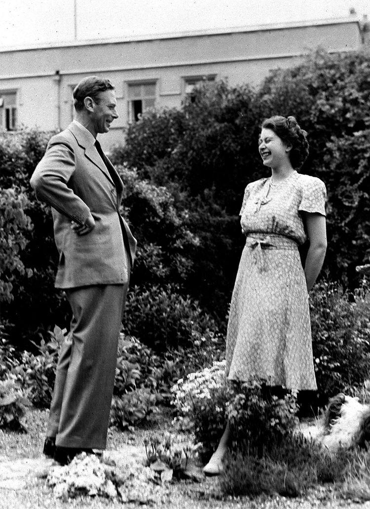 Le roi George VI avec la princesse Elisabeth en 1946.