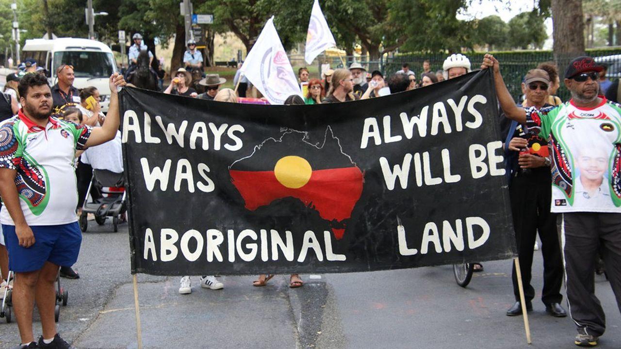 Des manifestions pour défendre les droits des peuples aborigènes.