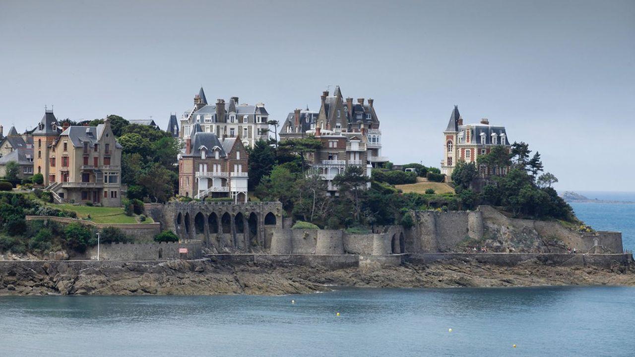 Côte de Dinard, bord de mer, grandes villas bretonnes, architecture