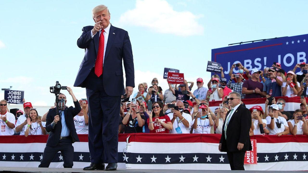 Donald Trump a tenté de voler la vedette aux démocrates en se rendant lundi dans le Wisconsin.