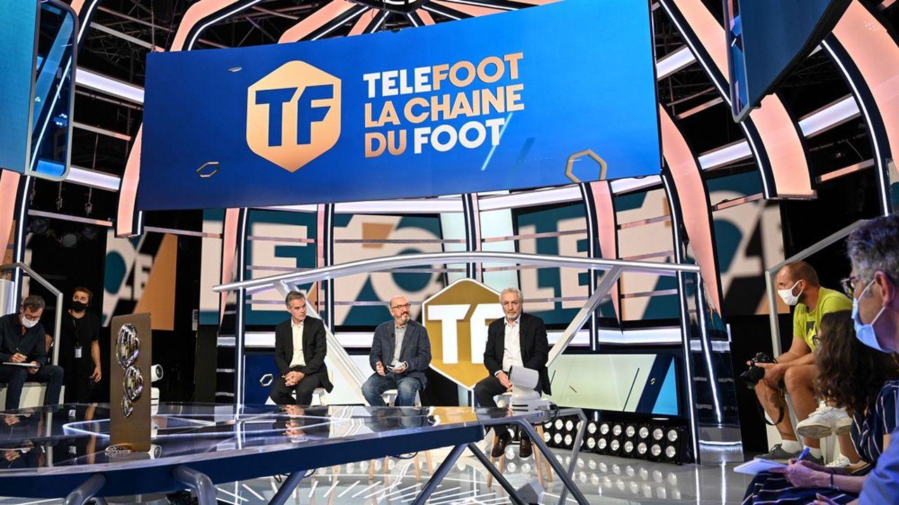 Julien Bergeaud, le patron de Mediapro en France, Jaume Roures, le fondateur de Mediapro et Jean-Michel Roussier, le responsable des programmes de Téléfoot, lors de la conférence de presse de présentation de la chaîne.