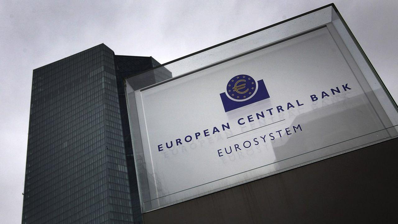 Le niveau trop élevé de l'euro, qui fait baisser l'inflation et pénalise les exportations, pourrait inciter la Banque centrale européenne à réagir