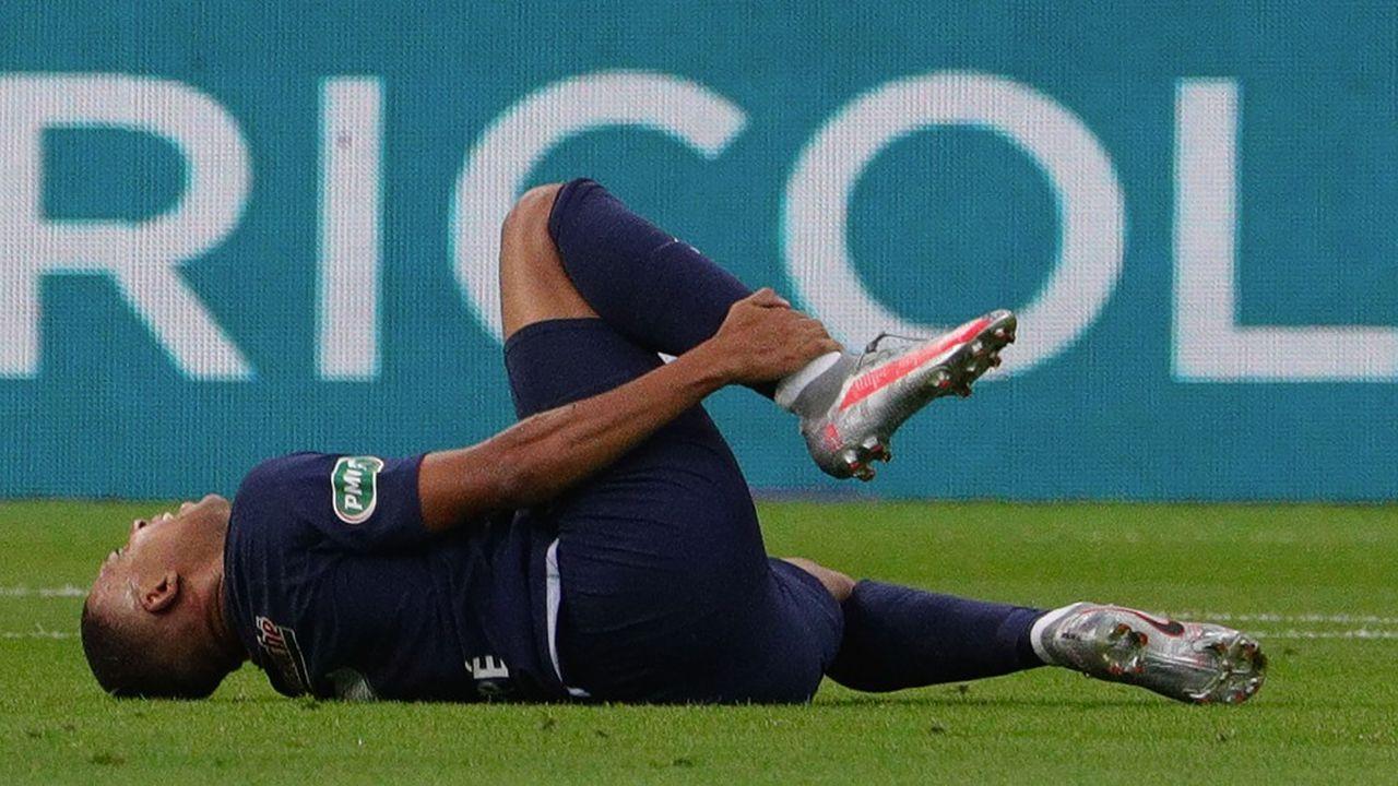Pour les clubs de football, il est nécessaire de s'assurer contre tout risque d'indisponibilité du joueur comme les blessures.