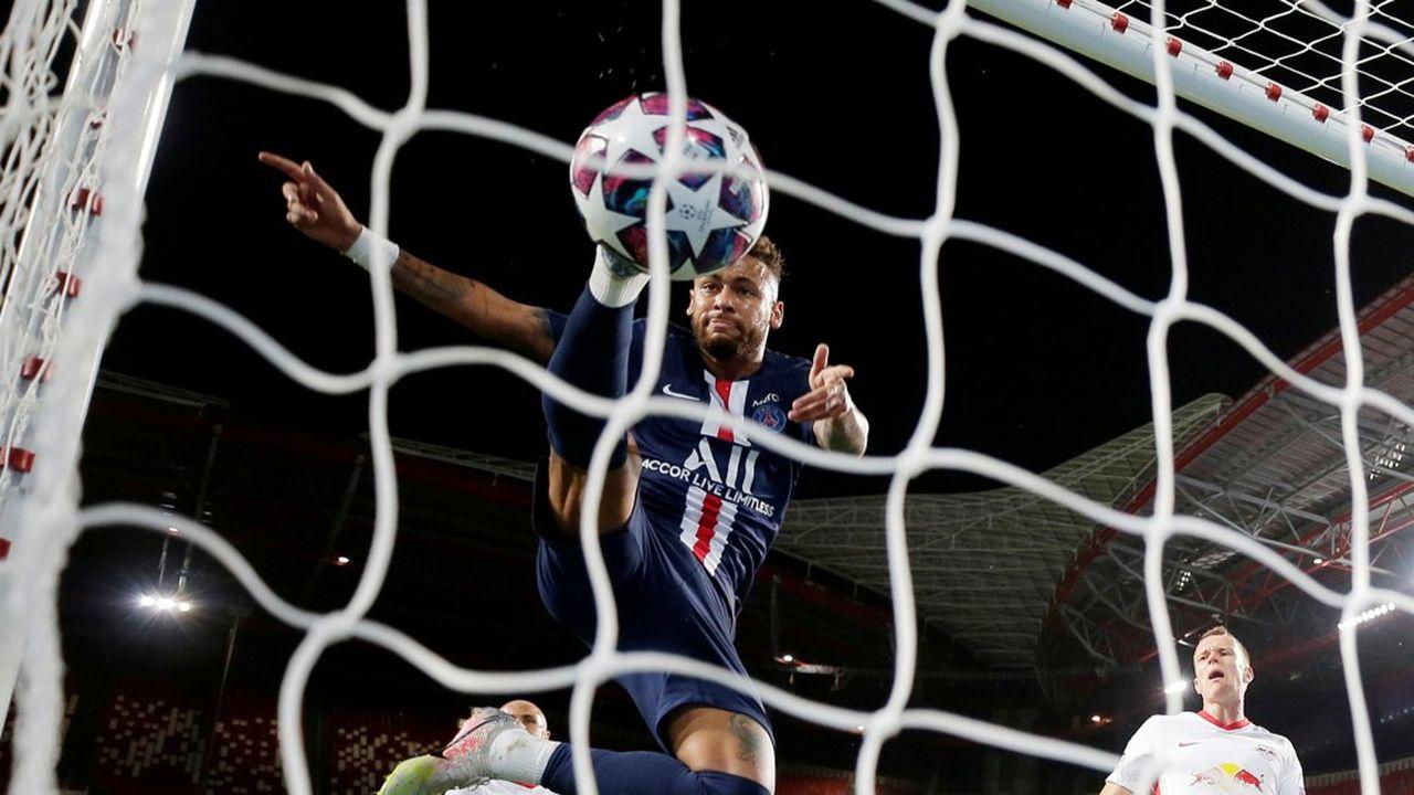 En décidant de l'arrêt de la saison en cours, le football français s'est privé des sources de revenus que sont les droits de rediffusion et la billetterie (photo: Neymar en action pendant la demi-finale contre Leipzig).