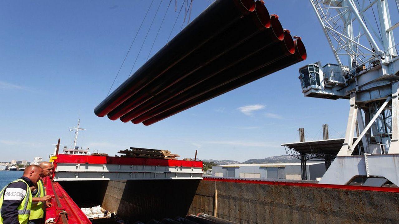 Le port de Bregaillon accueille des importations pour la Société du Canal de Provence, qui fait appel tant aux canalisations en acier turc qu'à celles de l'Indien Electrosteel, condamné par l'Europe en 2016 pour dumping et qu'elle met en concurrence avec la fonte française de Pont-à-Mousson, son autre fournisseur.