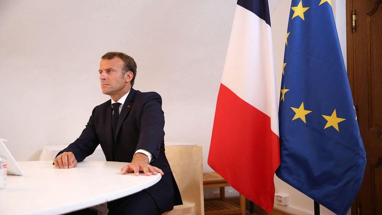 Emmanuel Macron durant une visioconférence avec les membres du Conseil européen depuis Brégançon.