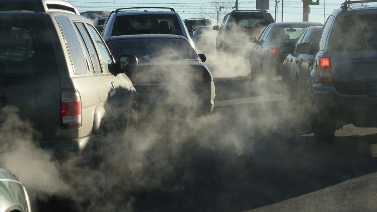 La règle imposant un maximum de 95g/km d'émissions de CO2 aux voitures neuves vendues sur un an s'appliquera aussi au Royaume-Uni après le Brexit.