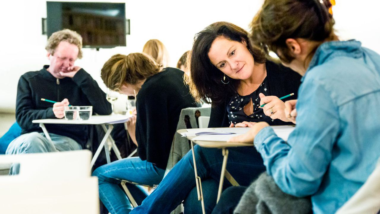 Un atelier d'écriture organisé par Les Mots en 2017, année de lancement de l'école.