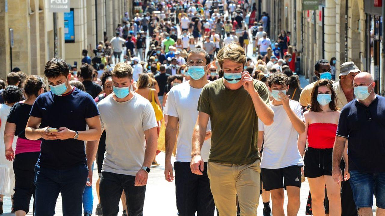 La forte demande en masques justifie de pérenniser les fabrications lancées au plus fort du confinement.