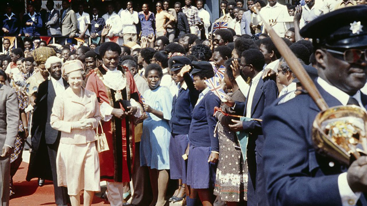 La reine Elizabeth à son arrivée à Lusaka, Zambie en août 1979.