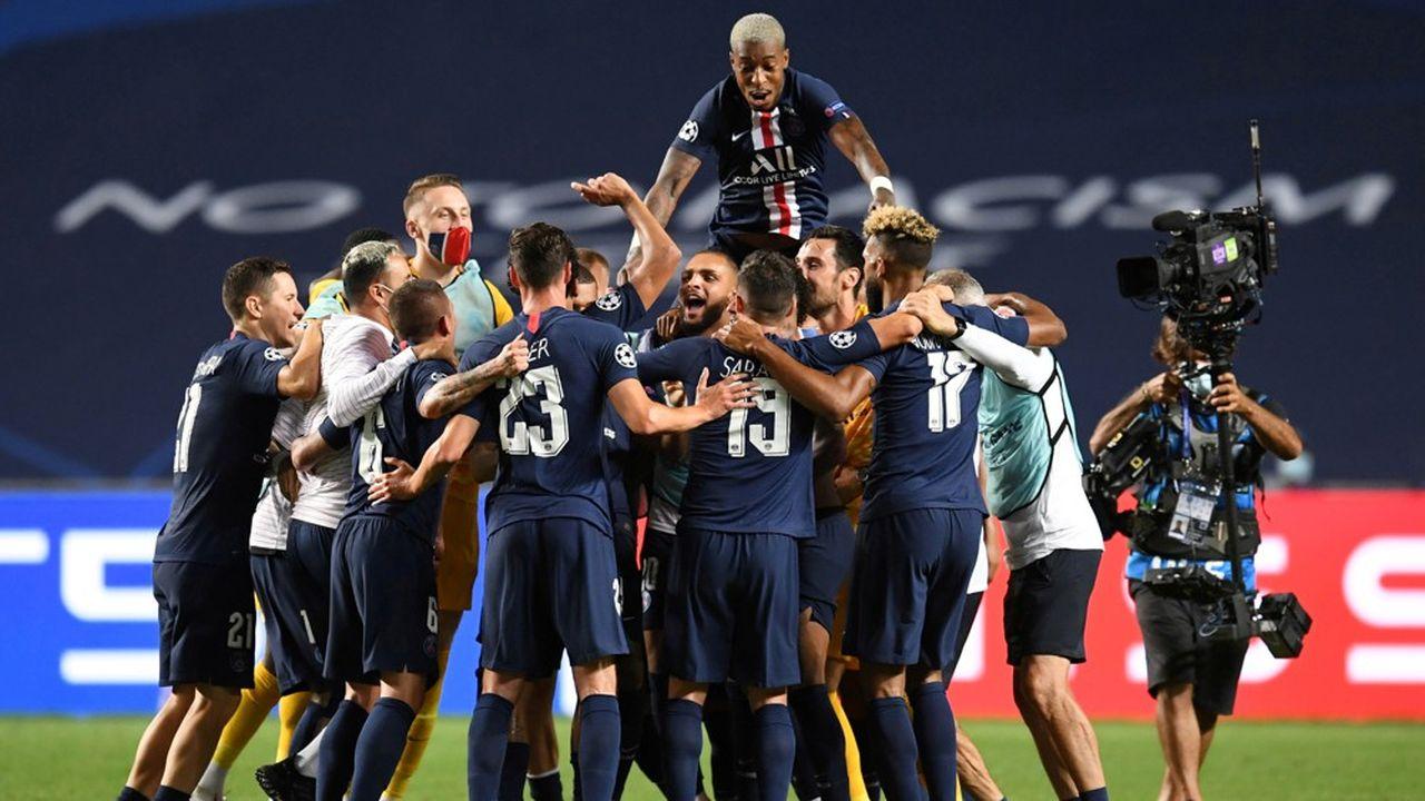 En quête d'un triomphe en Ligue des champions depuis son rachat par le Qatar en 2011, le PSG n'a jamais été aussi proche de la consécration. Le club parisien, qui fête cette année ses 50 ans, a jusqu'alors accumulé les trophées domestiques. La Ligue 1 reprend alors qu'il est à nouveau le champion en titre.