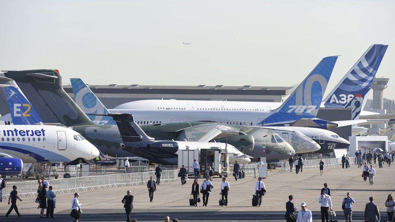En rebattant les cartes du transport aérien, la crise pourrait remettre en cause le duopole d'Airbus et Boeing… Ou pas.
