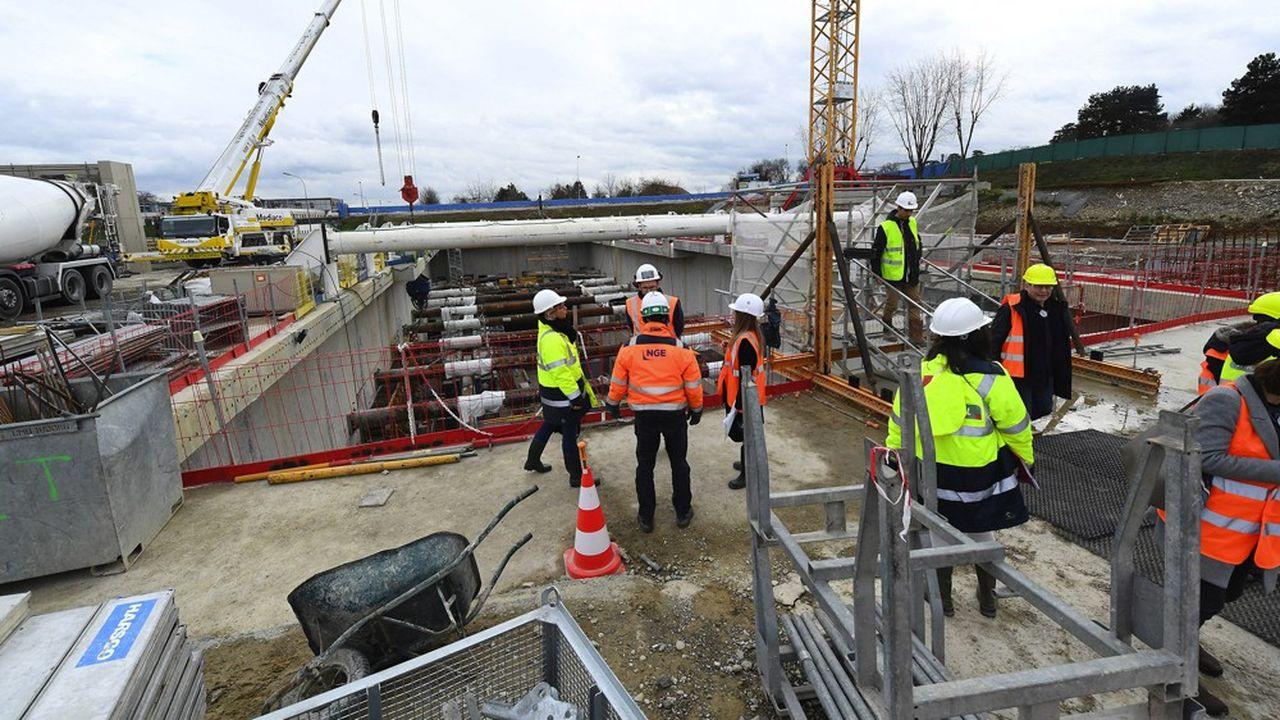 Construction de la station de St Genis Laval.