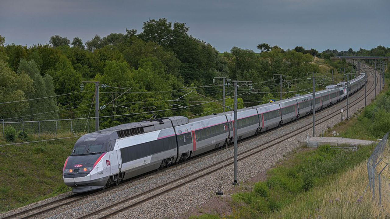 D'ordinaire très rentable pour la SNCF, le TGV n'a pas fait le plein en juillet-août.