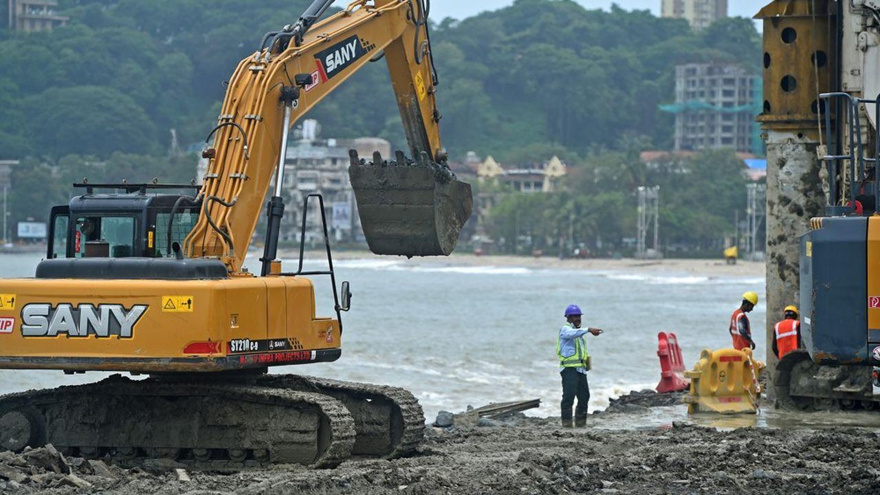 L'élargissement d'une route pourrait se faire sans consultation publique, prévoit la réforme.