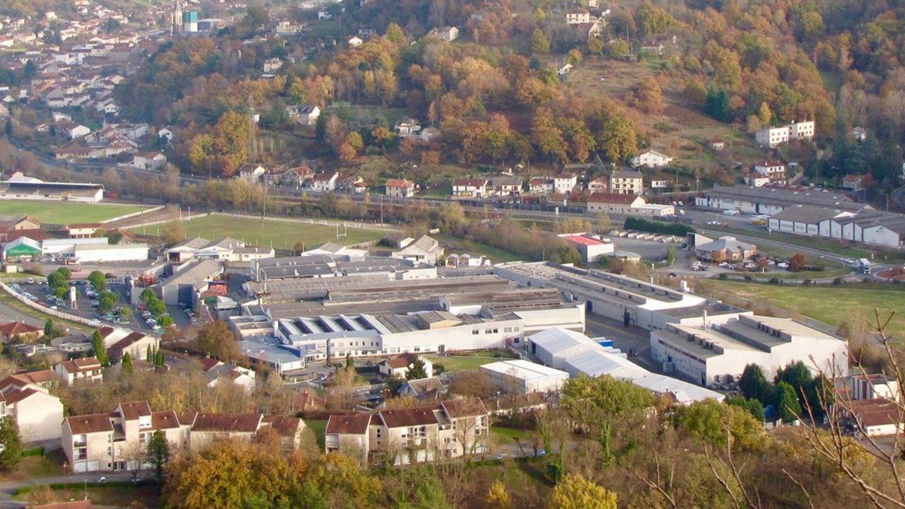 «On se retrouve dans la situation où tout le monde ne croit plus trop à un repreneur. C'est dramatique car c'est la plus grosse usine de ce bassin sinistré », s'inquiète Jean-Louis Denoit, le maire (PS) de Viviez (Aveyron).