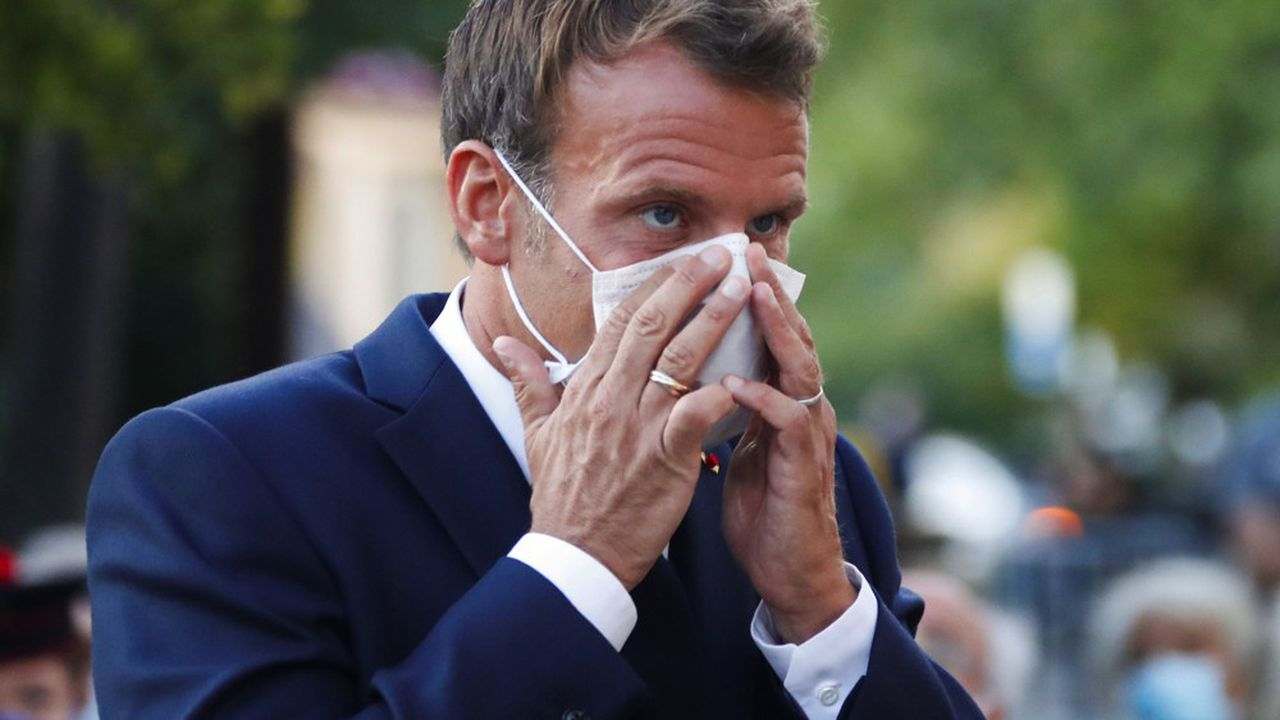 Emmanuel Macron a décidé de reporter d'une semaine la présentation du plan de relance pour mieux se consacrer à la gestion de l'épidémie.