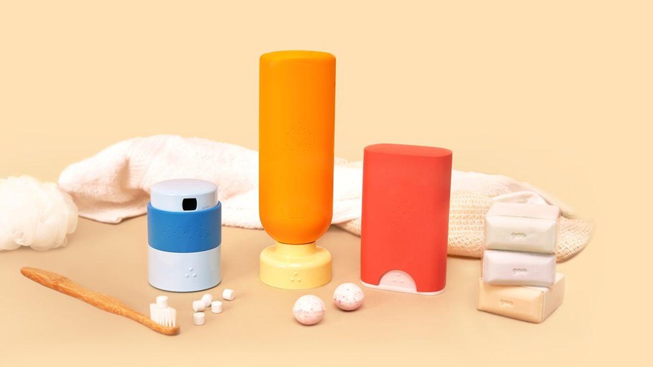 La start-up propose un dentifrice en pastille à croquer, un déodorant en stick à recharger et un gel douche en bille à dissoudre avec de l'eau.