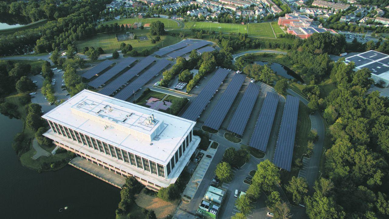 Schneider a installé un microréseau électrique fonctionnant à l'énergie solaire pour deux bâtiments du Comté de Montgomery, dans le Maryland, près de Washington D.C.
