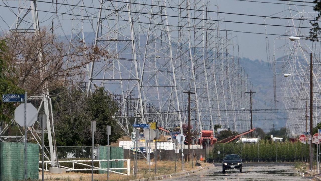 Une fois le soleil tombé, l'opérateur du réseau californien s'est retrouvé sans suffisamment d'énergie solaire pour faire face à la hausse de la demande d'air conditionné à cause de la canicule.