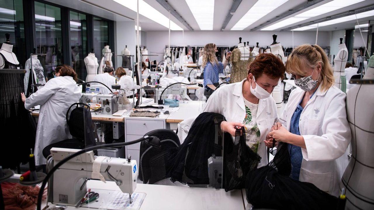 Le port du masque deviendra «systématique» dans tous les espaces professionnels clos partagés à compter du 1erseptembre.