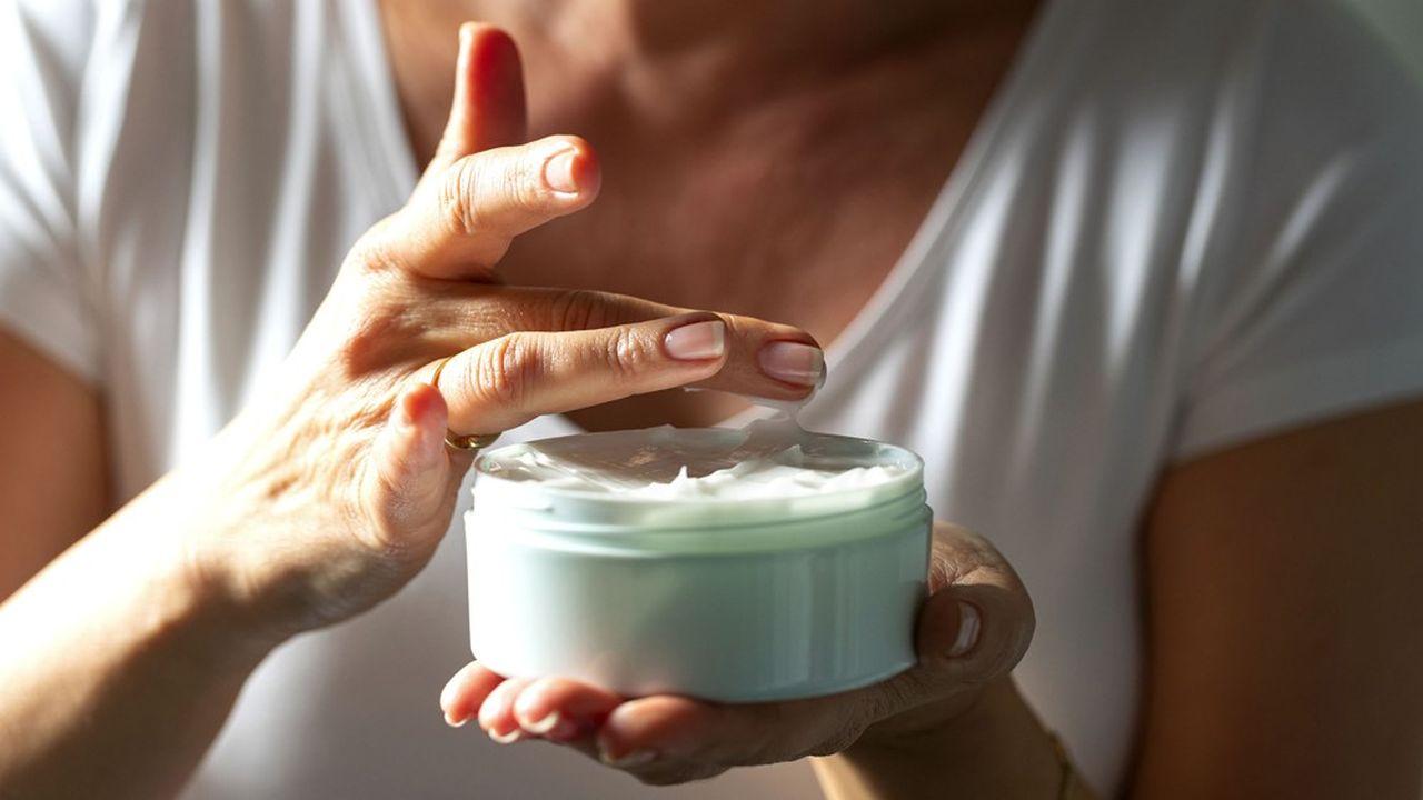 Les consommateurs voient d'un mauvais oeil l'accumulation de matières premières dans un produit cosmétique.