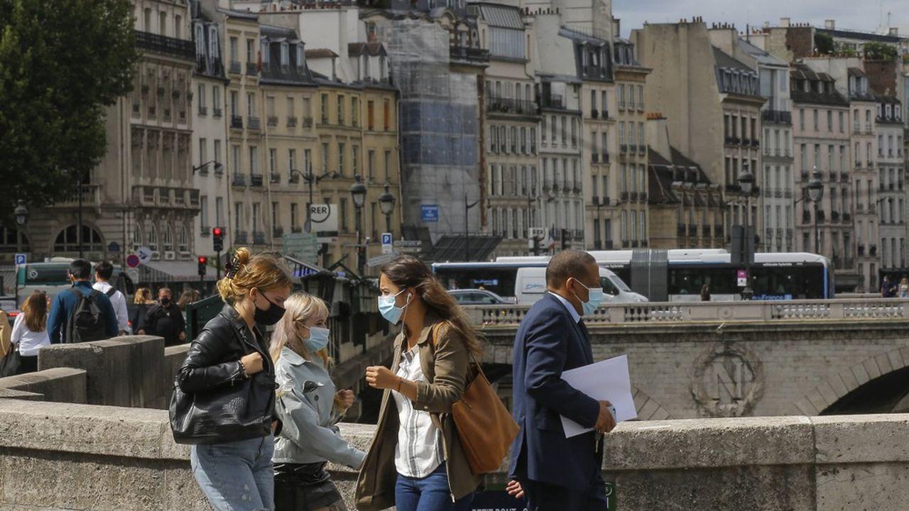La France a enregistré lundi 1.955 nouveaux cas de contaminations au cours des dernières 24heures.