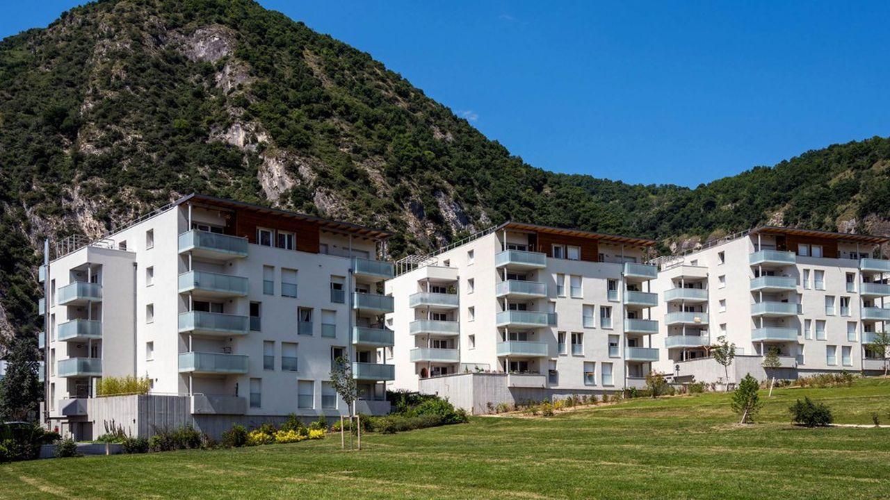 Des immeubles récents à Saint-Egrève (Isère), près de Grenoble.