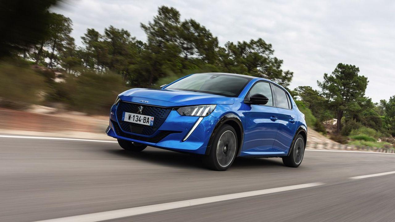 La Peugeot 208 est basée sur une plateforme multi-énergie, permettant de proposer, au choix, une motorisation électrique, essence ou diesel.