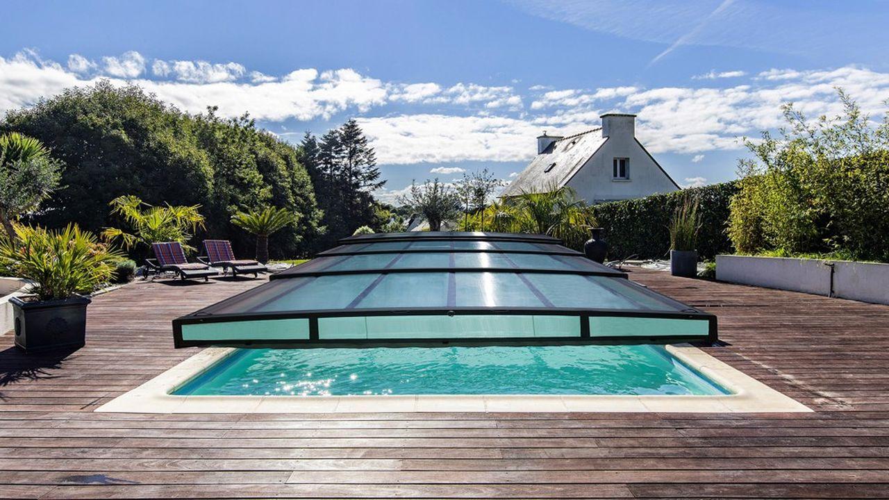 Le marché de la véranda étant mature, le fabricant vendéen cherche un relais de croissance dans les abris de piscine.